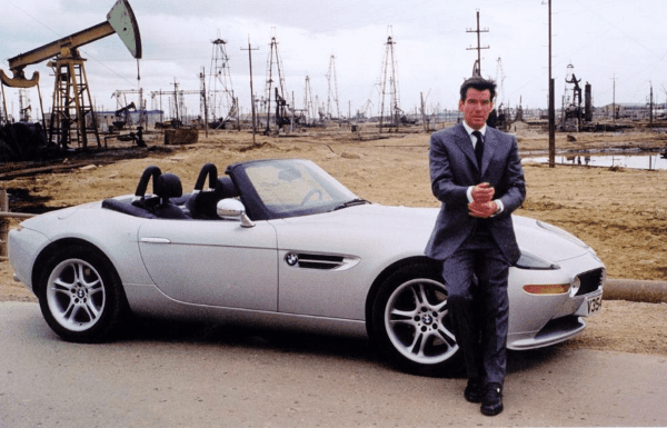 https://www.martinreillymotors.com/news/wp-content/uploads/2015/10/James-Bond-BMW-Z8.png