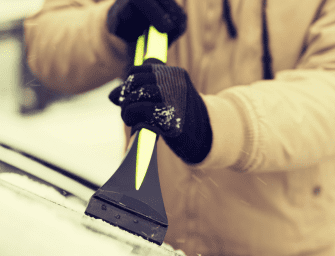 How to Properly Remove Ice from your Car Windscreen